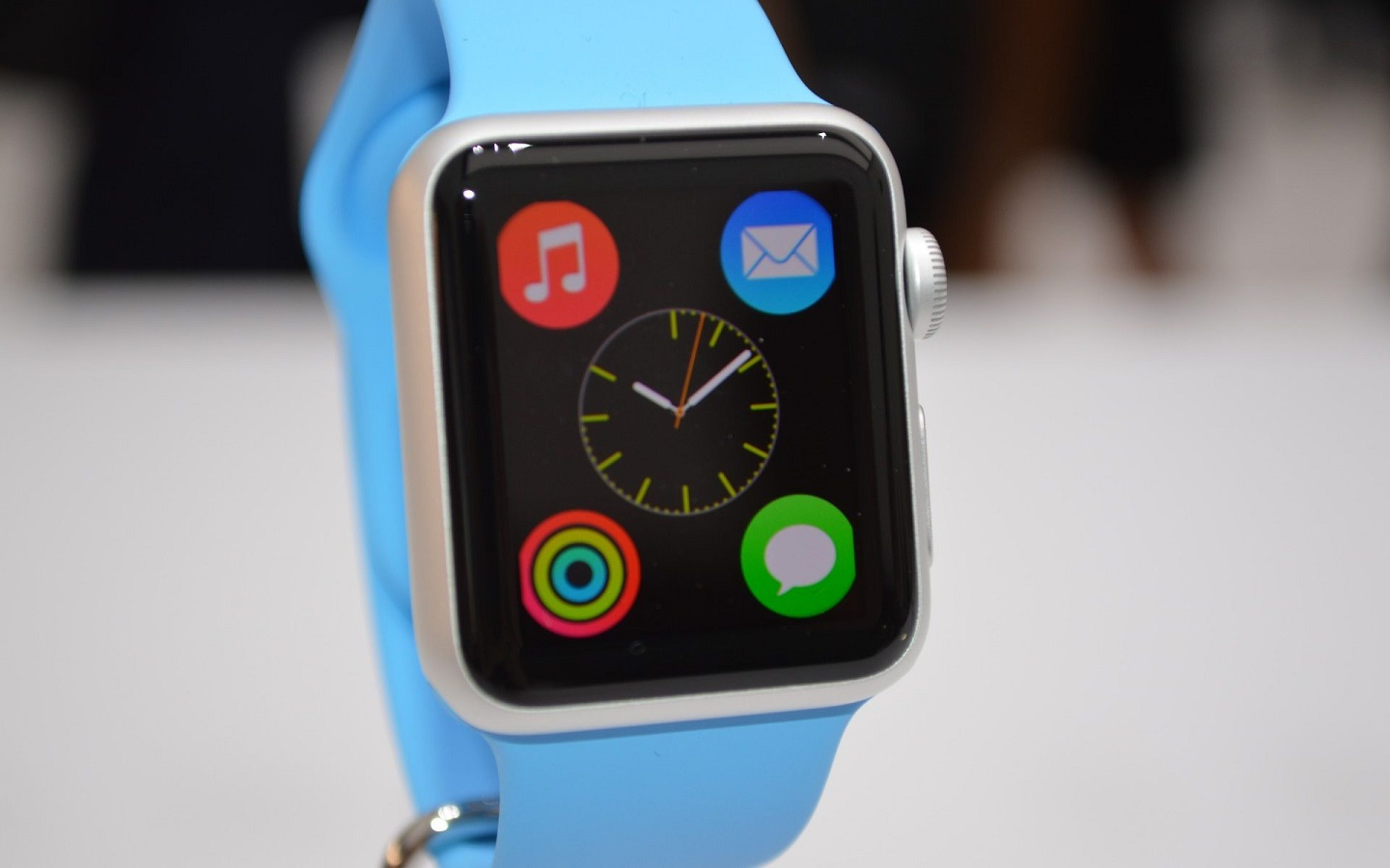 How to develop an app for Apple Watch