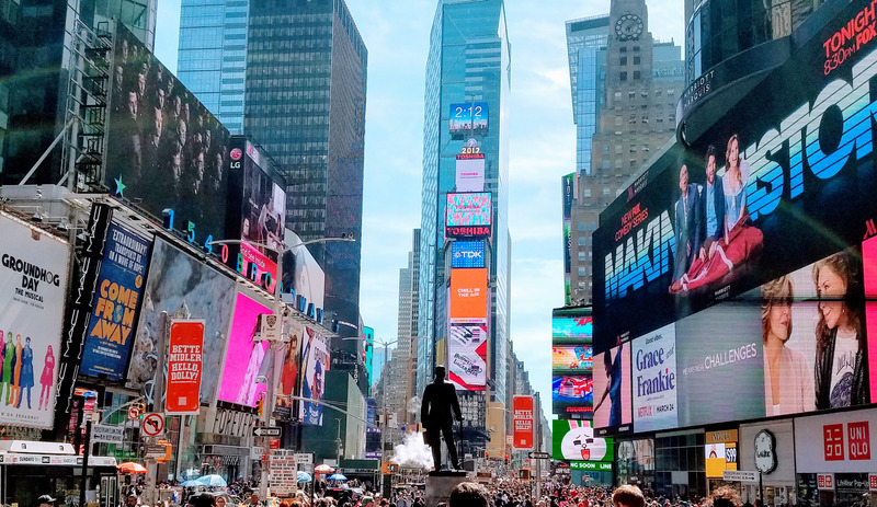 Top 8 digital signage trends that will rule in 2020 (and beyond)